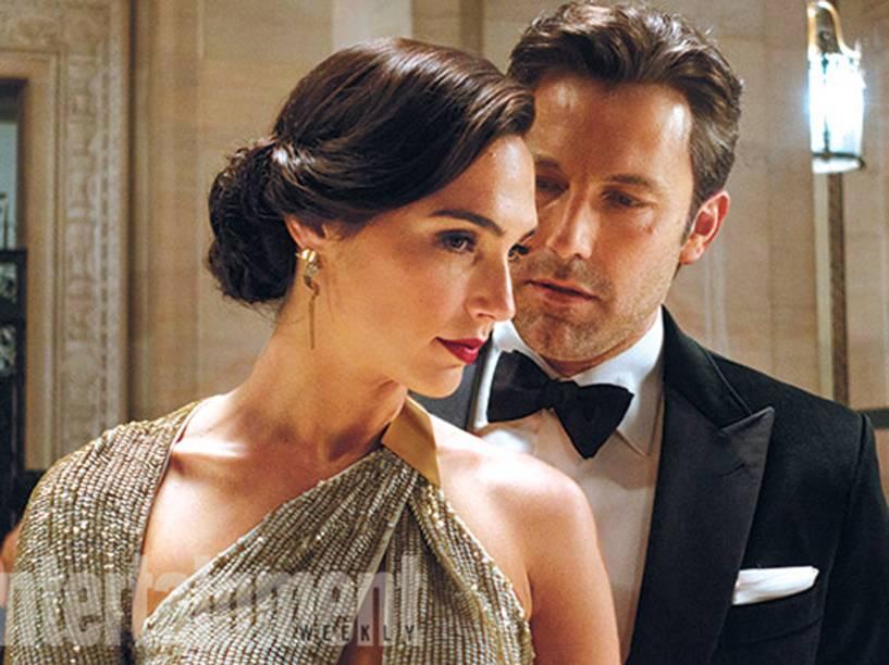 A atriz Gal Gadot e Ben Affleck em cena de Batman vs Superman