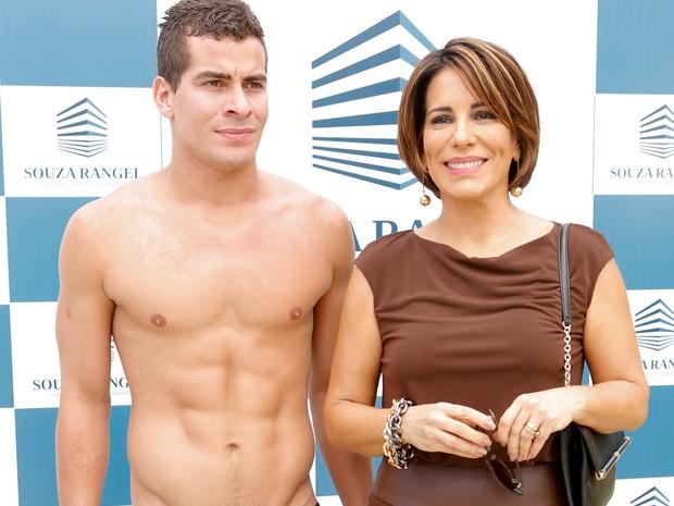 Beatriz (Gloria Pires) e Diogo (Thiago Martins) em Babilônia