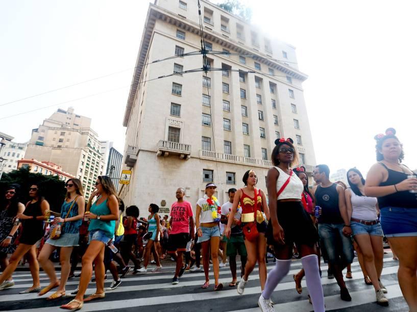Bloco Domingo Ela Não Vai, relembrou famosos hits do axé dos anos 90, no centro de São Paulo, na tarde deste domingo (07)