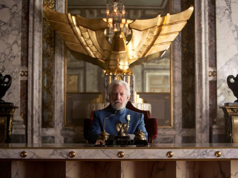 Donald Sutherland como Presidente Snow no filme Jogos Vorazes: A Esperança - Parte I