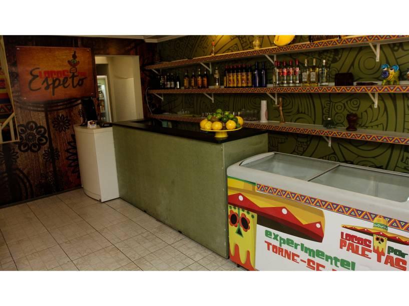 Paleteria que fechou e foi reaberta como bar na Vila Madalena