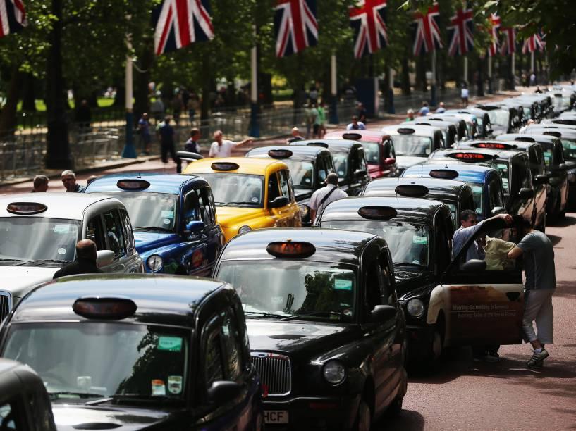 Manifestação contra o aplicativo em Londres, Inglaterra - 11/06/2014