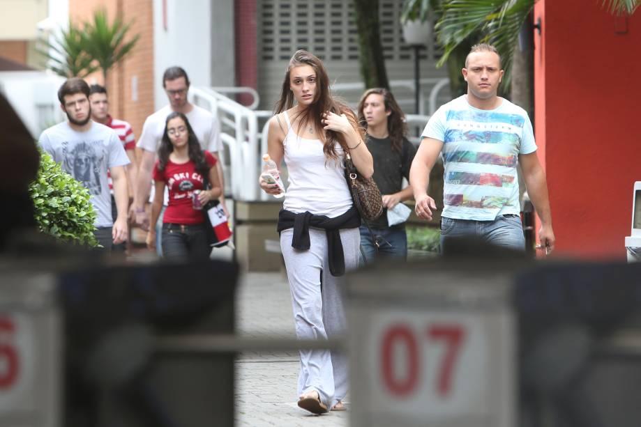 Candidatos deixam o local de prova no primeiro dia do Enem em São Paulo