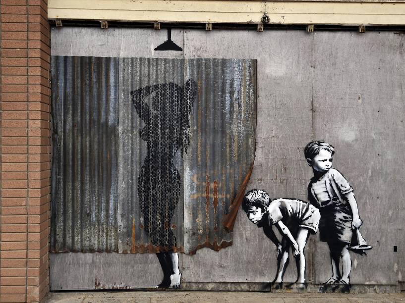 O conhecido traço de Banksy dá as caras em Dismaland