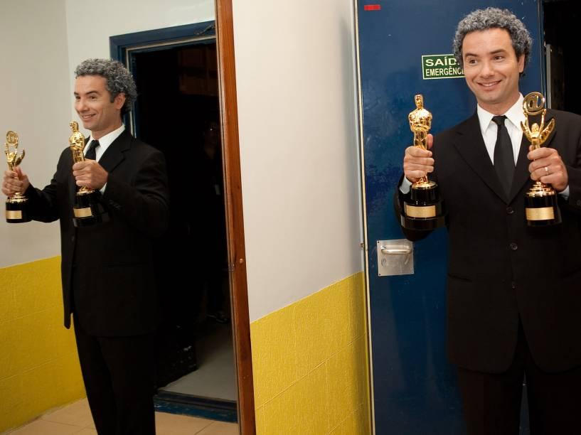Marco Luque, recebe os troféus Imprensa e Internet, pelo programa Custe o que Custar, da Rede Bandeirantes, em 2012