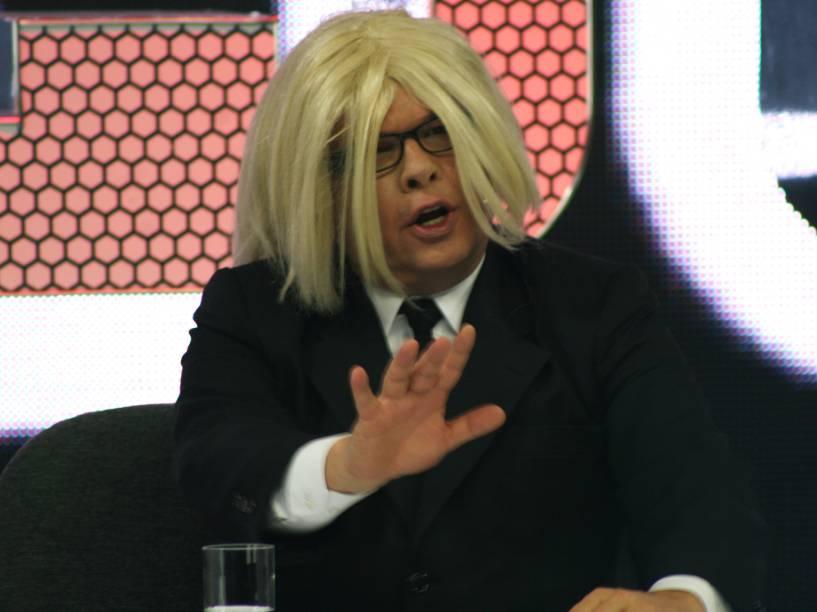 Marcelo Tas, imitando Hebe Camargo, no programa CQC - 2008