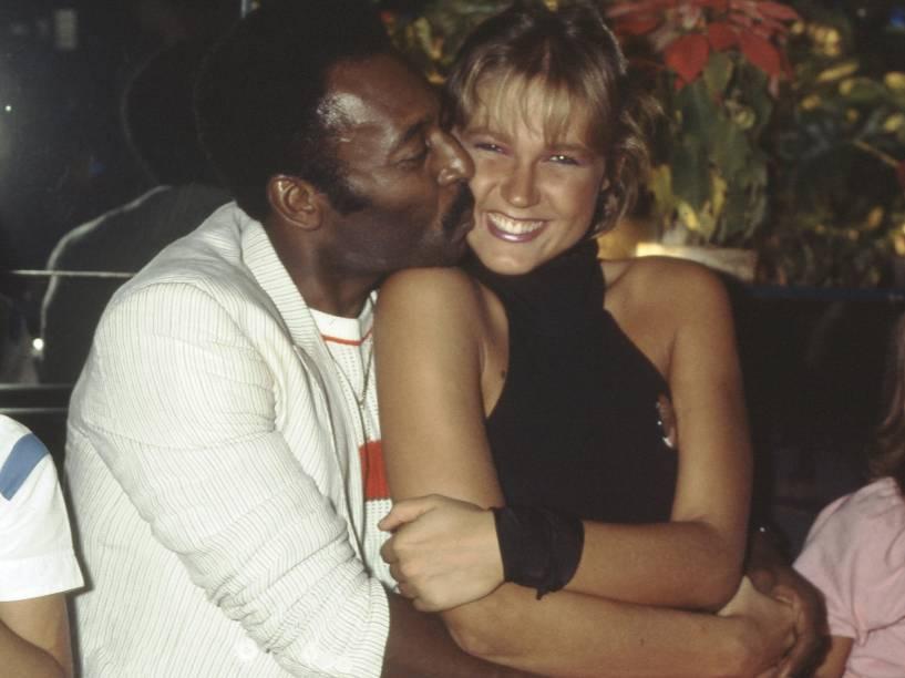 Xuxa e o então da namorado da época, Pelé, no Rio de Janeiro, na década de 80