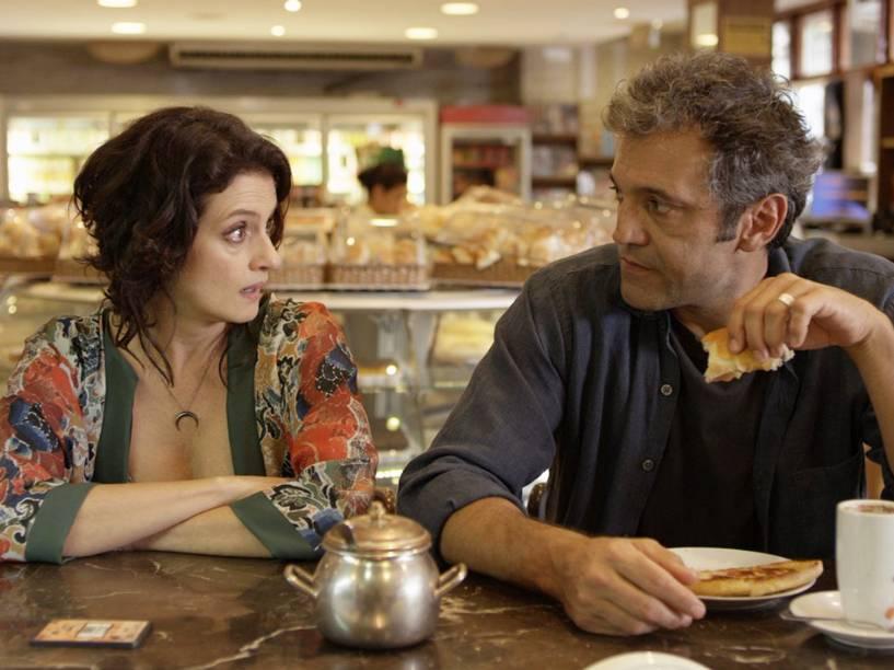 Ana Lúcia (Denise Fraga) e Fábio (Domingos Montagner), em cena do filme De Onde Eu Te Vejo, dirigido por Luiz Villaça