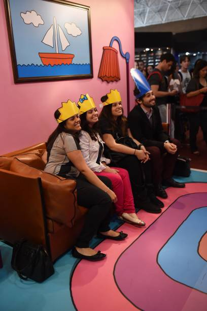 Visitantes se divertem em estande dos Simpsons durante a Comic Con Experience 2014 em São Paulo