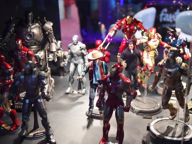 Pequenas réplicas de super-heróis são expostas durante a Comic Con Experience 2014, em São Paulo