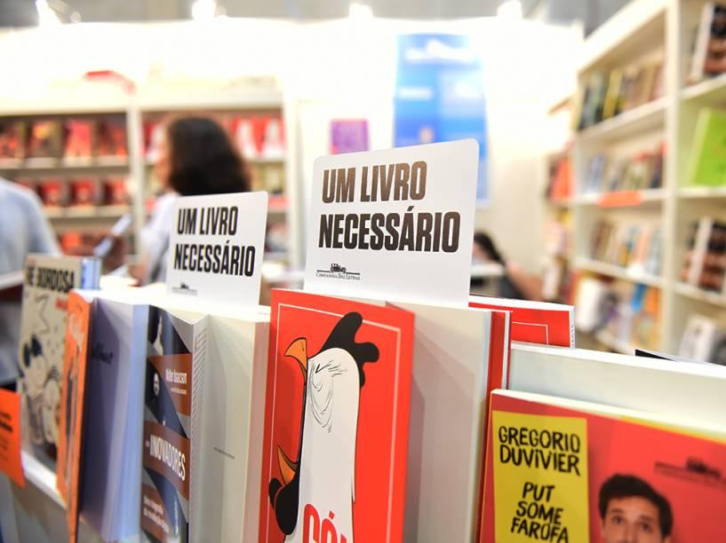 Milhares de quadrinhos são postos a venda durante a Comic Con Experience 2014, em São Paulo
