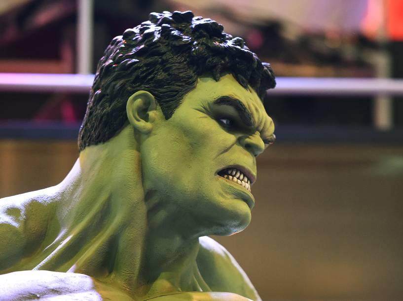 Boneco do Hulk durante Comic Con Experience 2014 em São Paulo