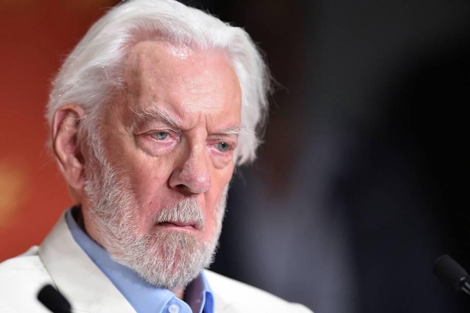 Ator canadense Donald Sutherland, um dos jurados do concurso de filmes, discursa na abertura de hoje do Festival Cannes, que acontece entre os dias 11 e 22 de maio, em Paris - 11/05/2016