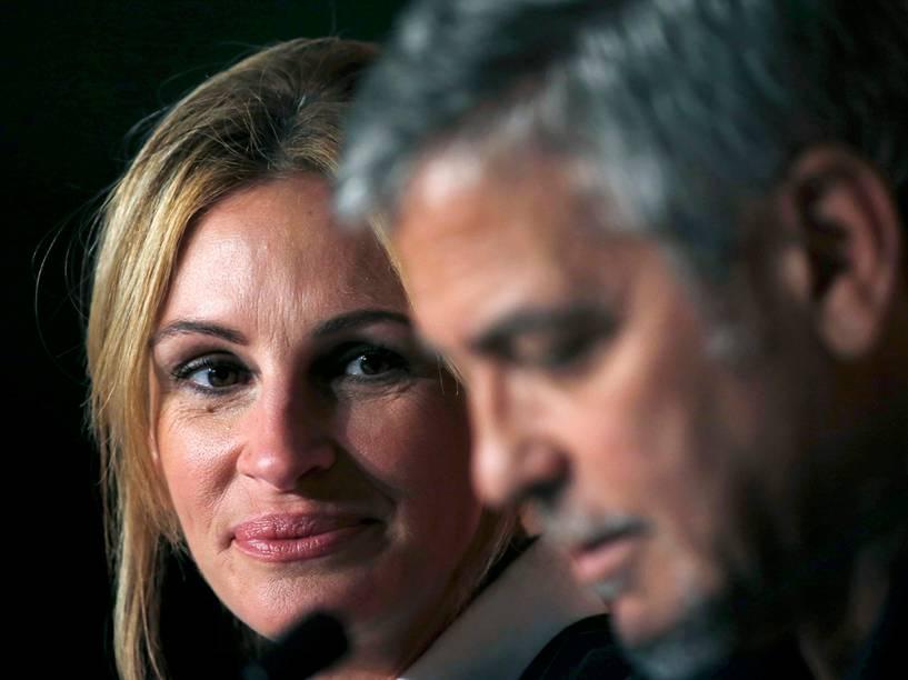 """Julia Roberts e George Clooney dão entrevista coletiva sobre o filme que concorre a premiação do Festival Cannes, """"Jogo de Dinheiro"""" - 12/05/2016"""