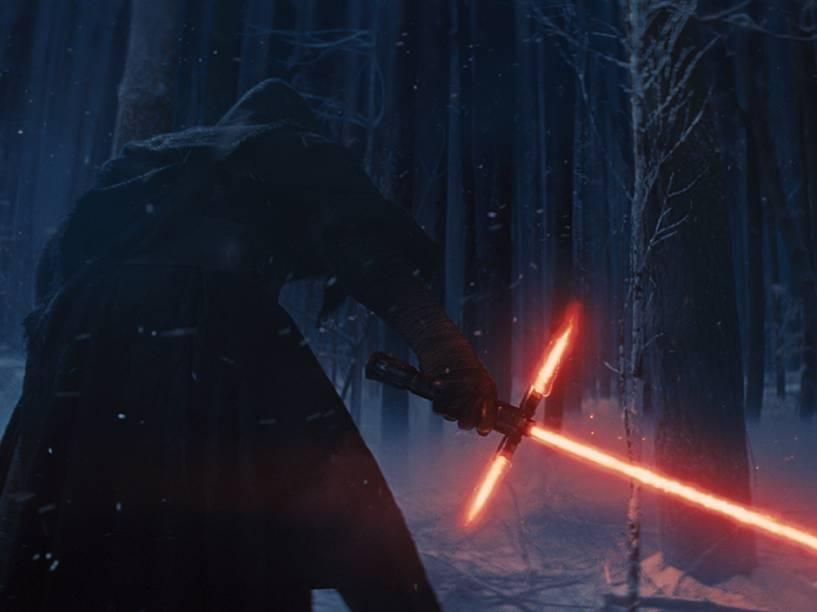 No trailer oficial do filme Star Wars: Episódio VII surge novo sabre de luz com três pontas