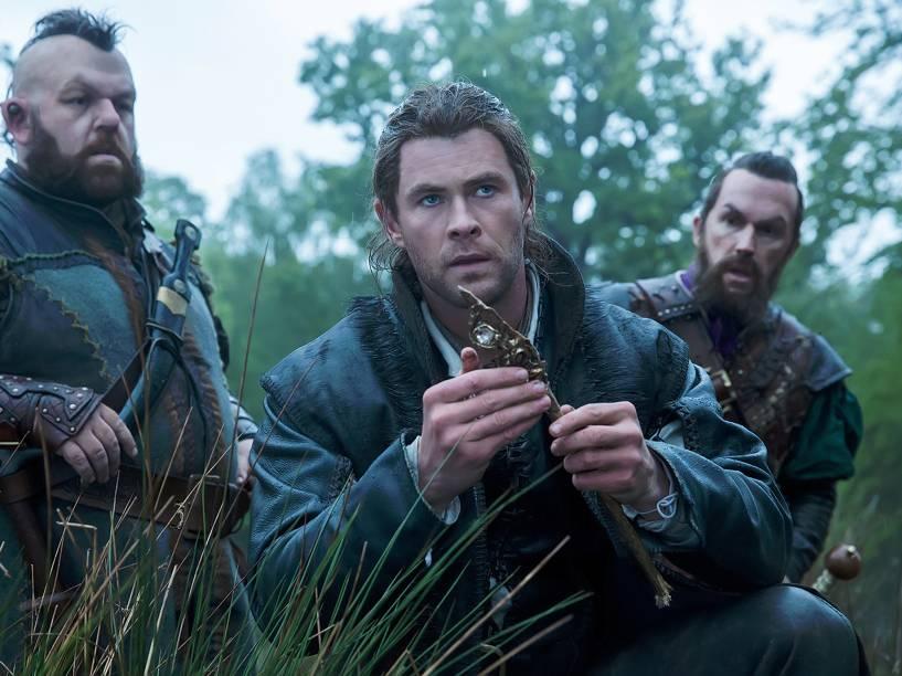 O Caçador (Chris Hemsworth), em cena do filme O Caçador e a Rainha do Gelo