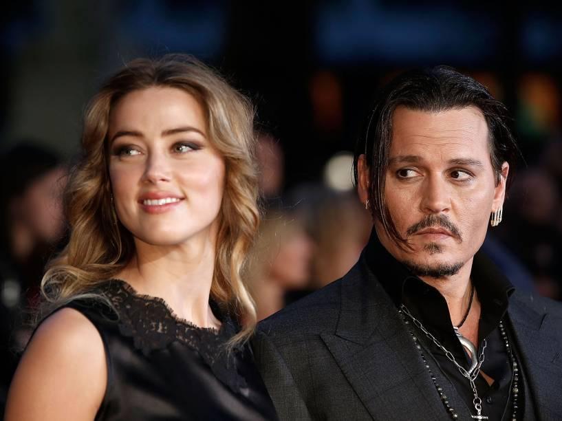 Johnny Depp e Amber Header comparecer ao BFI Film Festival, em Leicester, Inglaterra