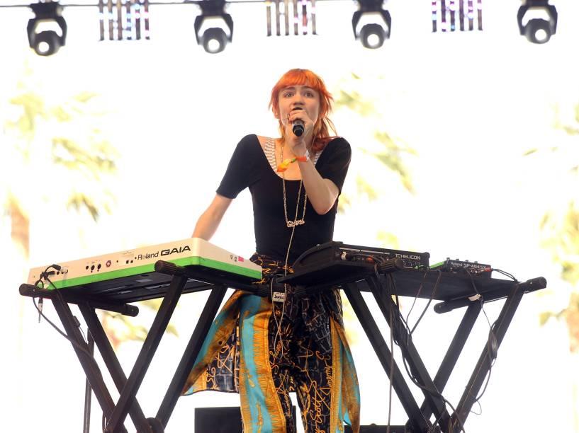 Grimes se apresenta no festival Coachella na Califórnia (EUA) em 2013