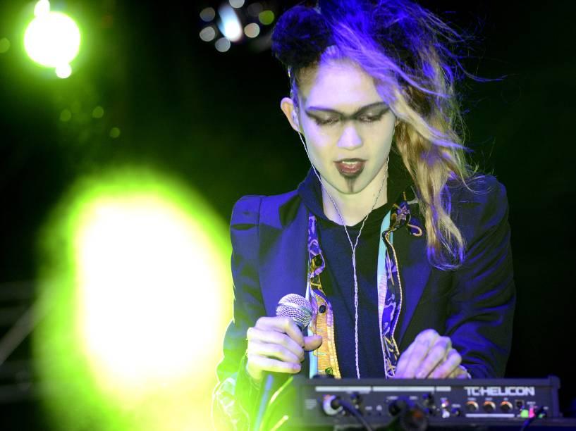 Grimes se apresenta no festival de música Sasquatch! na cidade de George, em Washington (EUA) no ano de 2013