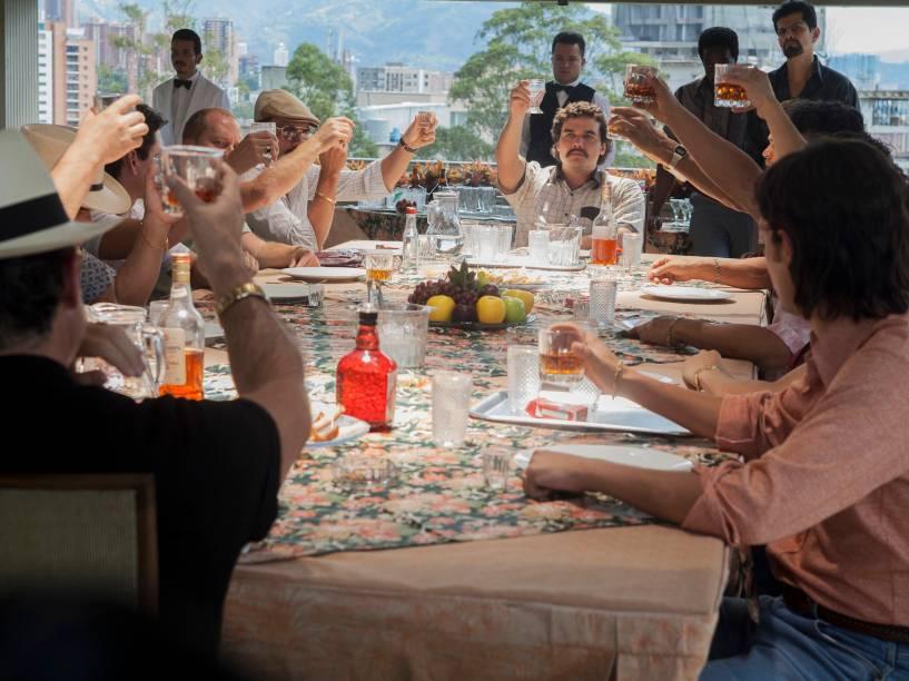 O Cartel de Medellín representado em cena da série Narcos da Netflix
