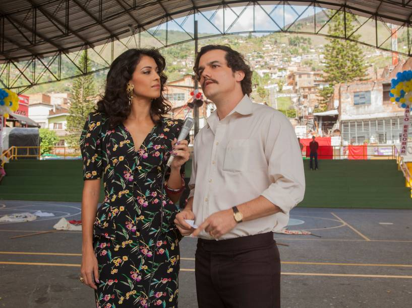 Stephanie Sigman interpreta a repórter Valeria Velez, amante de Pablo Escobar