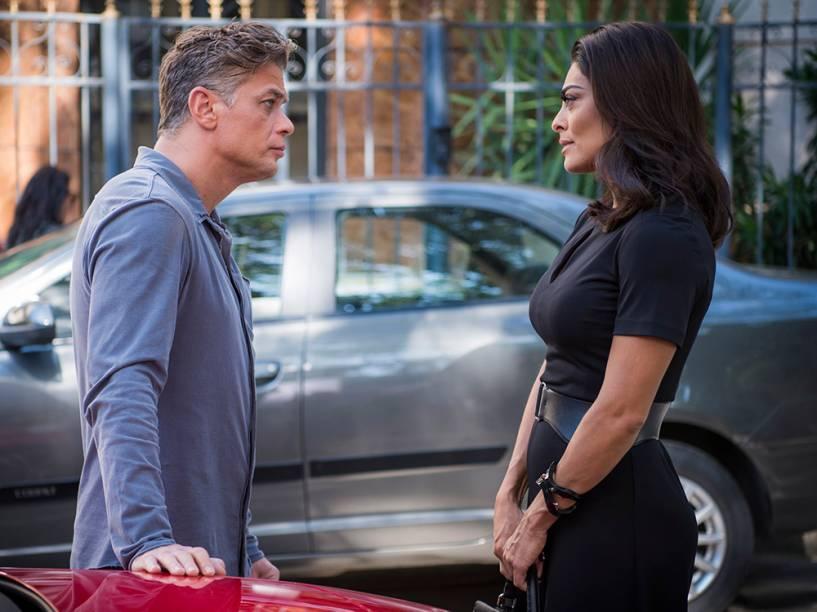 Carolina (Juliana Paes) e Arthur (Fábio Assunção), em cena da novela Totalmente Demais