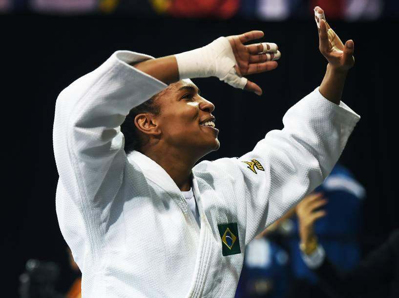 A judoca brasiliense Érika Miranda, campeã pan-americana de judô, conquista a primeira medalha de ouro para o Brasil nos Jogos de Toronto
