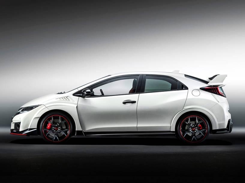 Honda Civic Type R: 0 a 100 km/h em 5,7 segundos e velocidade máxima de 270 km/h