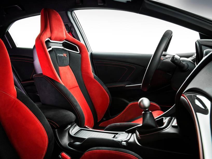 Civic Type R: motor turbo 2.0 a gasolina de 310 cv e velocidade máxima de 270 km/h