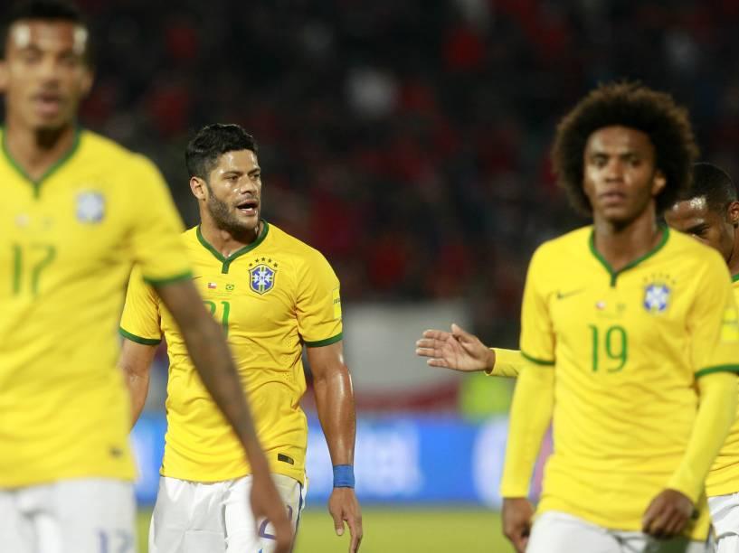 Jogadores da seleção brasileira na partida contra o Chile em Santiago
