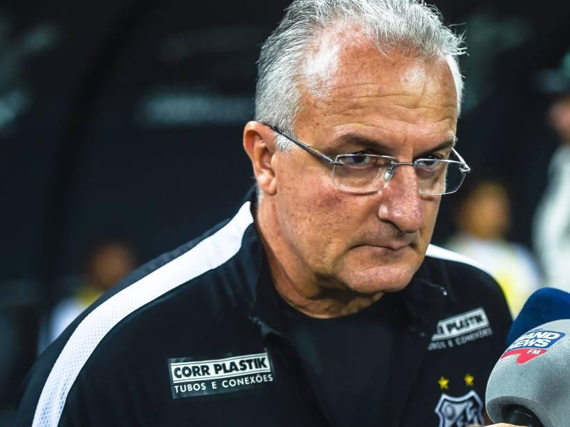 O técnico Dorival Jr do Santos na partida contra o Corinthians, válida pelas oitavas de final da Copa do Brasil 2015