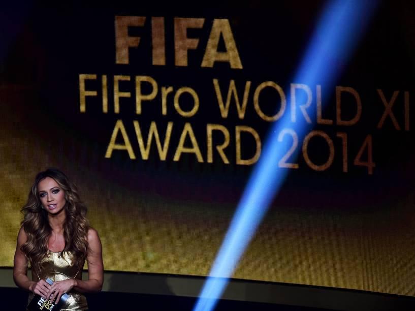 Kate Abdo é a apresentadora da cerimônia do Bola de Ouro FIFA 2015 em Zurique