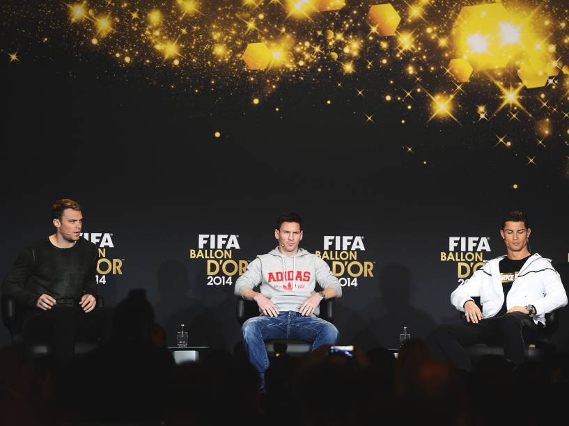 Manuel Neuer, Lionel Messi e Cristiano Ronaldo durante coletiva de imprensa para o prêmio Bola de Ouro da Fifa, em Zurique, na Suíça - 12/01/2015