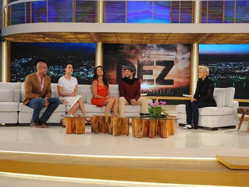 "Elenco de ""Os Dez Mandamentos"" na estreia do programa de Xuxa Meneghel"