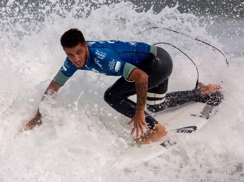 Filipe Toledo durante a terceira etapa do Rio Pro 2015, o brasileiro já está qualificado para a próxima etapa da competição