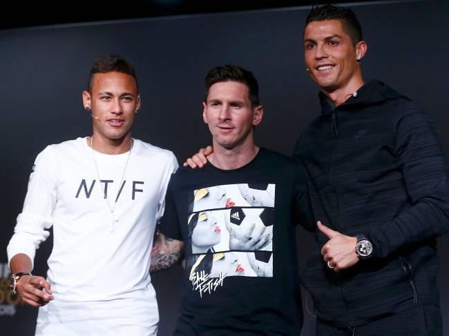 Neymar, Messi e Cristiano Ronaldo durante entrevista coletiva da cerimônia do prêmio Bola de Ouro Fifa, em Zurique, na Suíça