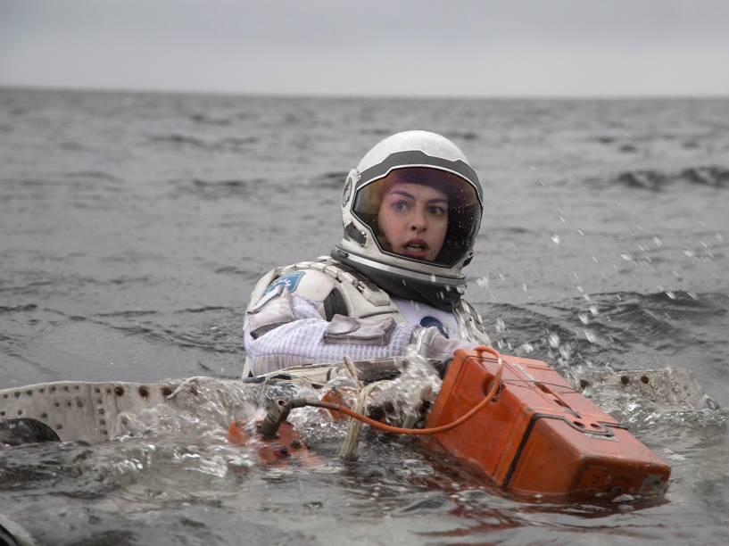 <p>Anne Hathaway no papel da cientista Amelia Brand, em Interestelar</p>