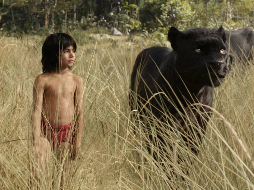 Mogli (Neel Sethi) e a pantera Bagheera (Ben Kingsley) em cena do filme Mogli - O Menino Lobo