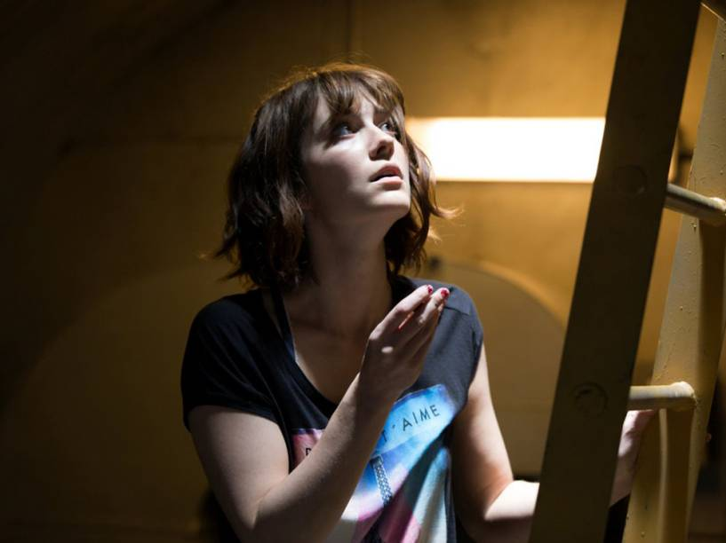 Michelle (Mary Elizabeth Winstead) em cena do filme Rua Cloverfield, 10