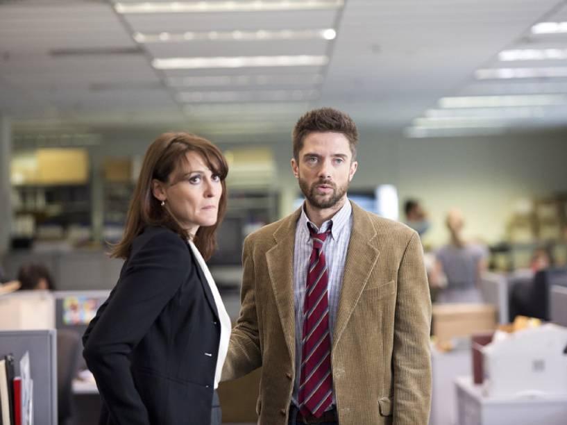 Mary Murphy (Natalie Saleeba) e Mike Smith (Topher Grace) em cena do filme Conspiração e Poder