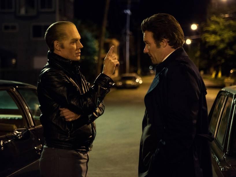 Johnny Depp e Joel Edgerton em cena do filme Aliança do Crime