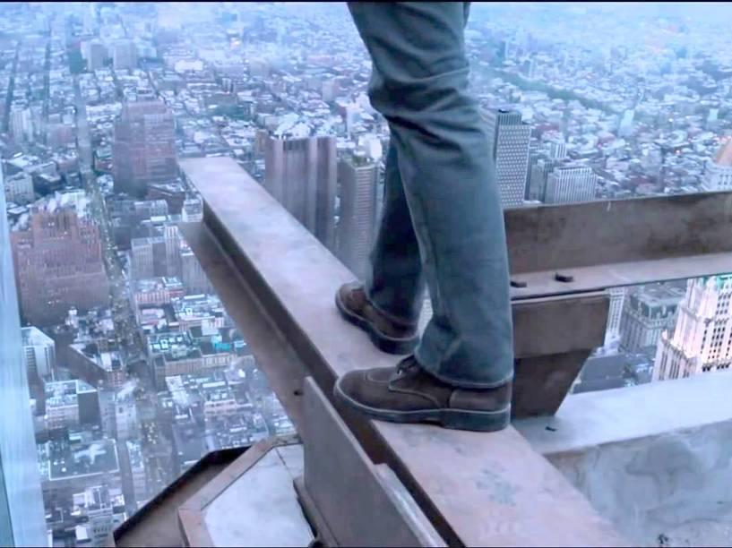 O filme coloca o espectador no lugar de Petit -- e pode causar vertigem devido ao 3D