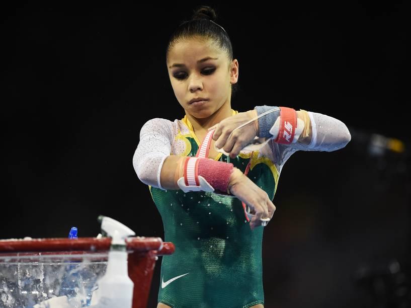A ginasta brasileira Flávia Saraiva durante a final individual geral da ginástica artística nos Jogos Pan-Americanos de Toronto, no Canadá