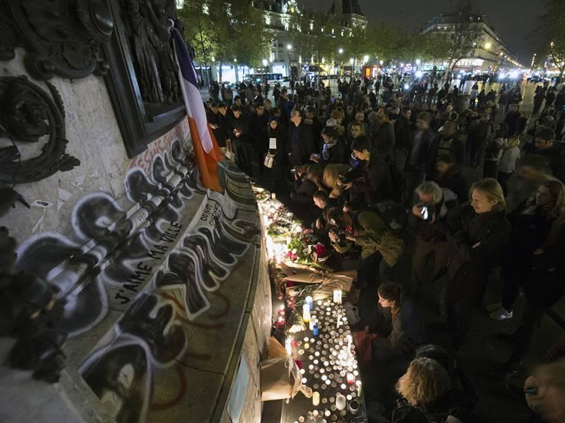 Homenagens no centro de Paris