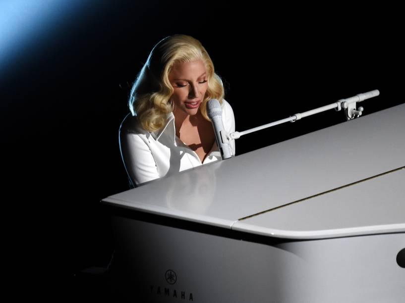 Lady Gaga durante o Oscar 2016 no Teatro Dolby, em Los Angeles