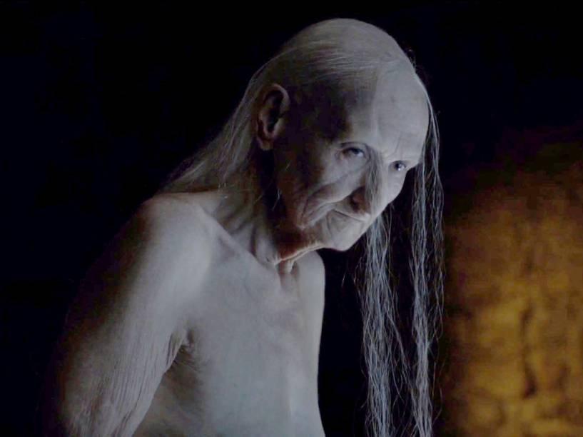 Melissandre (Carice van Houten) revelou sua real identidade centenária no primeiro episódio da sexta temporada de Game of Thrones