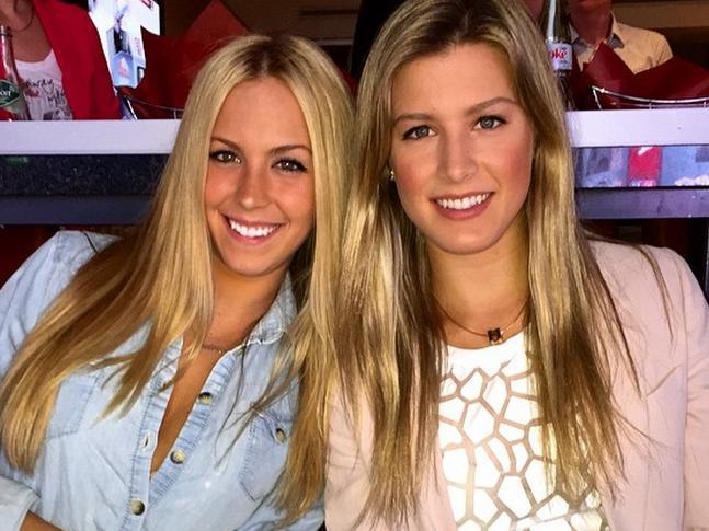 Beatrice com a irmã gêma Eugenie Bouchard, 25ª colocada do ranking da WTA