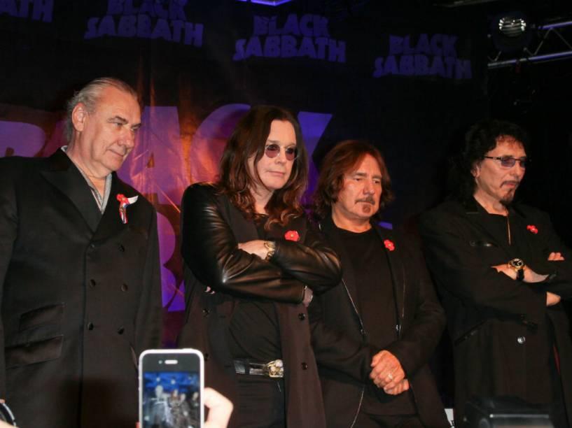 Da esquerda para a direita: Bill Ward, Ozzy Osbourne, Geezer Butler e Tony Iommi, do Black Sabbath, em evento na Califórnia, Estados Unidos, em 2011