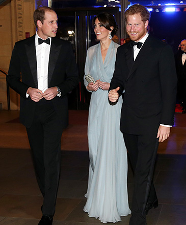 Príncipe William, Kate Middleton e o príncipe Harry durante première de 007