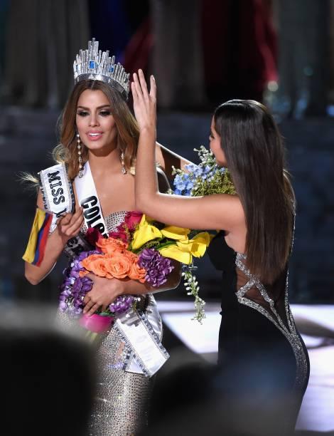 A miss Colômbia chegou a ser anunciada como a miss Universo 2015. Depois de ter recebido faixa e coroa, porém, ouviu que tinha ficado em segundo lugar